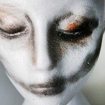 dekoracja na Halloween odcięta głowa