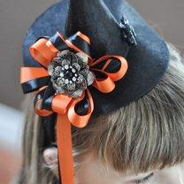 kapelusz czarownicy na Halloween