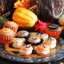 francuskie makaroniki na Halloween