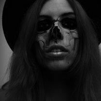 przerabianie zdjęcia na halloween - kościotrup