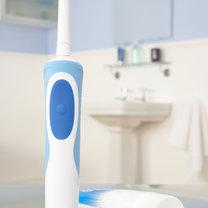 błędy podczas mycia zębów - krok 1