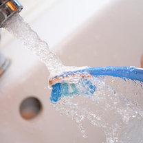 błędy podczas mycia zębów - krok 8