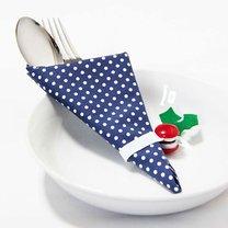 bożonarodzeniowe pierścienie na serwetki na stół