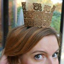 korona z koronki