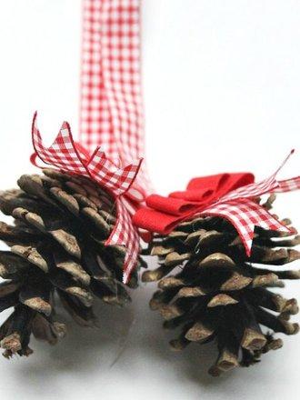ozdoby bożonarodzeniowe z szyszek