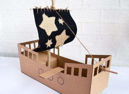 statek z pudełka