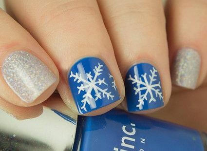 Jak Zrobić śnieżynki Na Paznokciach Porada Tipypl
