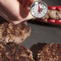przygotowywanie hamburgerów