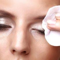 zmywanie makijażu