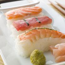 produkty przeciw rakowi piersi - sushi