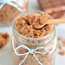 domowy peeeling czekoladowo-cukrowy