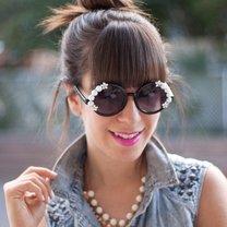 okulary ozdobione perłami