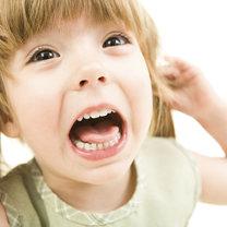 dziecko krzyczy i wymusza