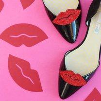 buty z motywem ust