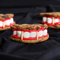 zęby Draculi - ciasteczka na Halloween