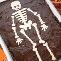 Jak zrobić Halloweenowe ciasto szkieletora?