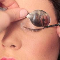 triki kosmetyczne z łyżką - krok 2