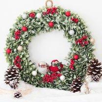 Jak zrobić świąteczny wieniec na drzwi?
