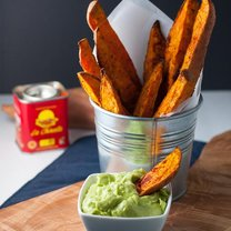 Jak zrobić frytki ze słodkich ziemniaków i aioli z avocado?