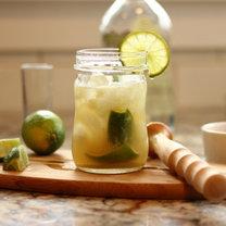 Jak zrobić drinka caipirinha?