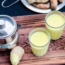Jak zrobić mleko kurkumowe na przeziębienia krok 2