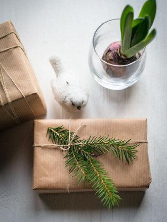 3 proste sposoby pakowania prezentów
