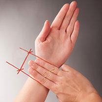 Mapa dłoni - punkt uciskania przy nudnościach
