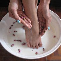 moczenie stóp w mleku i sodzie