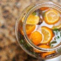 zielona herbata z miętą i pomarańczą