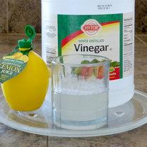 Domowy sposób na czyszczenie mikrofalówki