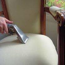 Czyszczenie mebli tapicerowanych domowe sposoby