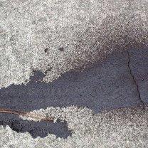 Jak usunąć plamy z oleju z kostki brukowej krok 1
