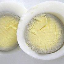 źle ugotowane jajko