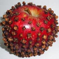 jabłko z goździkami