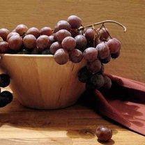 jedzenie winogron