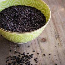 czarny ryz