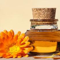 Jak zrobić leczniczy olejek nagietkowy