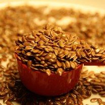 Jak wzmocnić włosy wodą z nasion lnu