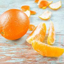 Domowy koktajl z pomarańczą i kurkumą krok 3