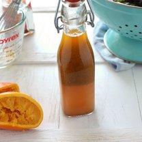 Pomarańczowy pikantny sos do sałatek krok 2