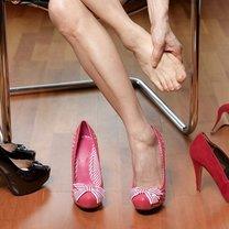 ból stóp podczas noszenia obcasów