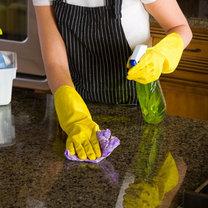 Domowy preparat do czyszczenia granitowych blatów