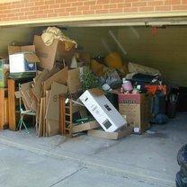 śmieci w garażu