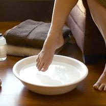 Domowy sposób na zmęczone i obolałe stopy krok 2