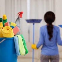 sprzątanie pomieszczen