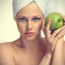 Domowa maseczka oczyszczająca z miodu i jabłka
