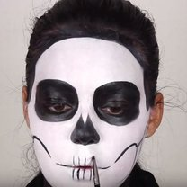 czaszka makijaż