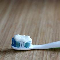 Jak zrobić naturalną pastę do zębów krok 3
