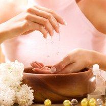 Naturalna pielęgnacja dłoni krok 1