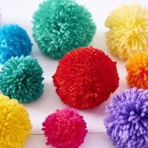 kolorowe pompony